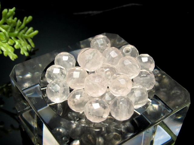 激レア 限定入荷 1粒売り 超透明ピンクレムリアン クォーツ カット 約6mm珠 清らかな力をもつ全能の石 淡いピンクローズ キラキラカット バラ売り ロシア・ウラル産
