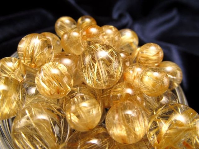 4A 1粒売り ゴールドタイチンルチルクォーツ 約7.5mm-8mm バラ珠売り 透明度抜群バランス良いタイプ ブラジル産