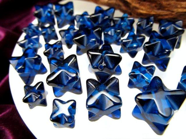 1珠売り 4A サファイアブルーアンバー マカバスタービーズ石 約7mm 極上透明 天然琥珀 バルト海産