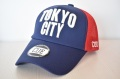 【CUE】TOKYO CITY メッシュ(ネイビー×赤×白刺繍)
