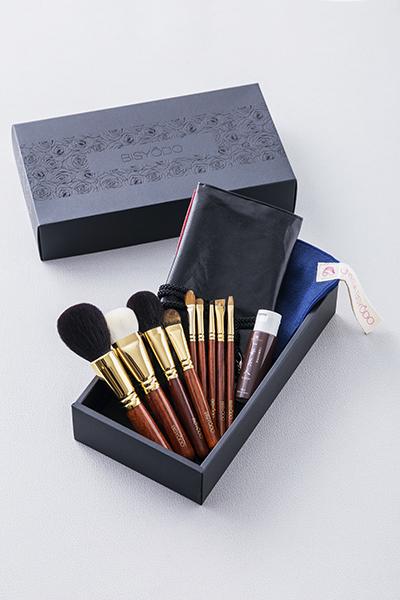 ウエダ美粧堂の化粧筆9本セット