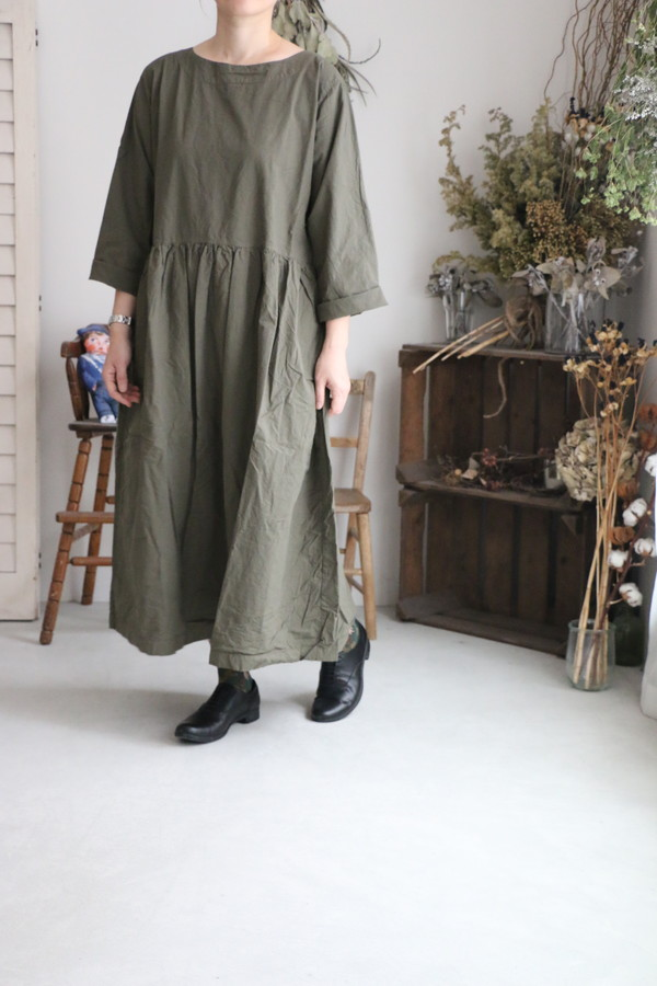 INAM1951pd  armen boat neck l/sl one piece 2色