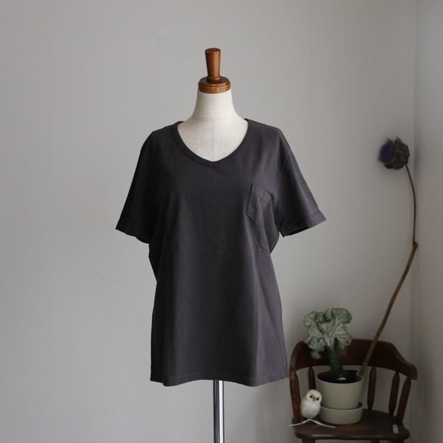 D5615208 danafaneuil VネックポケットTシャツ