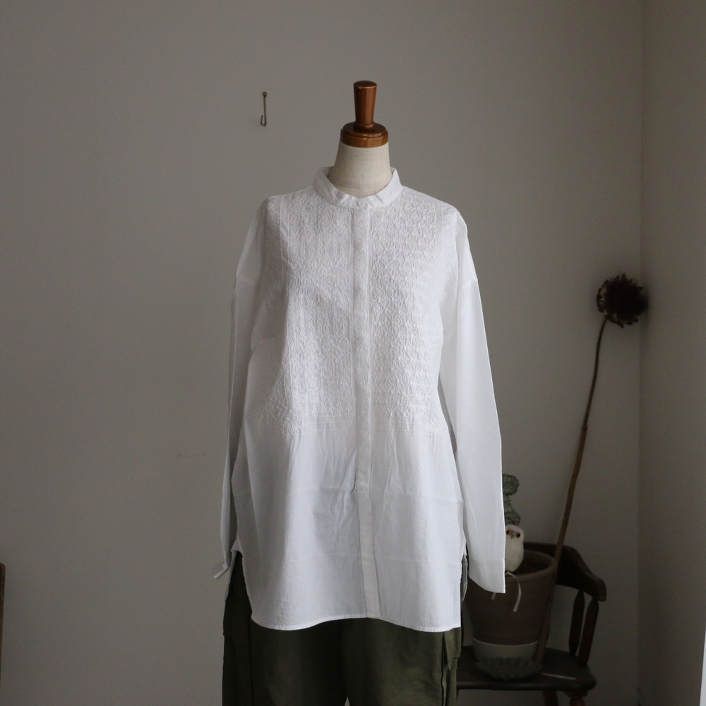 NMDS20061 maison de soil band collar emb shirt 2色