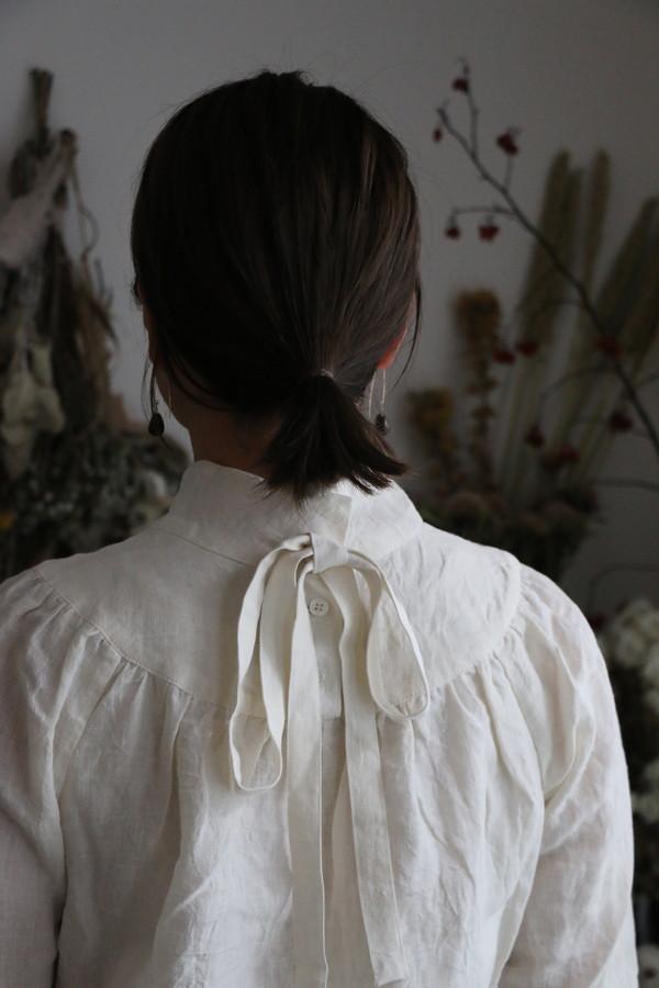 13132501 vlas blomme ボウタイ付ヴィクトリアンブラウス 2色