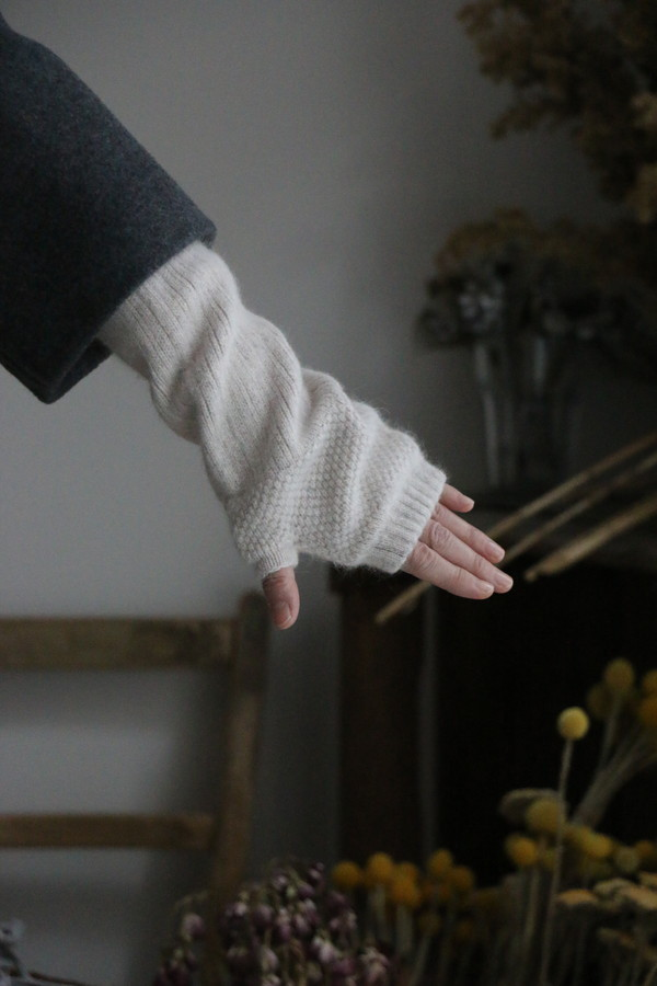 NGG0854 GLEN GORDONFingerless  mitton 3色