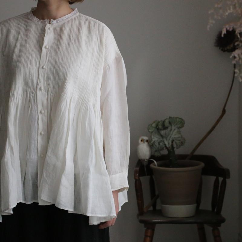NMDS21141 maison de soil lace collar shirt with mini pintuck  white