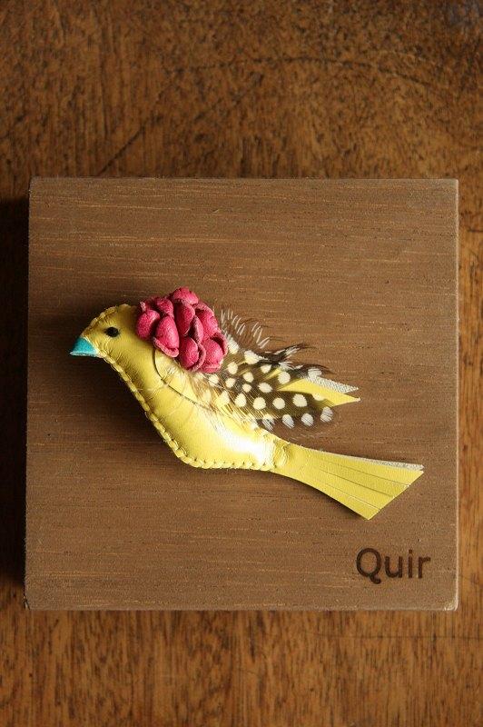 <SALE>Qui ほろほろ鳥の小鳥ブローチ