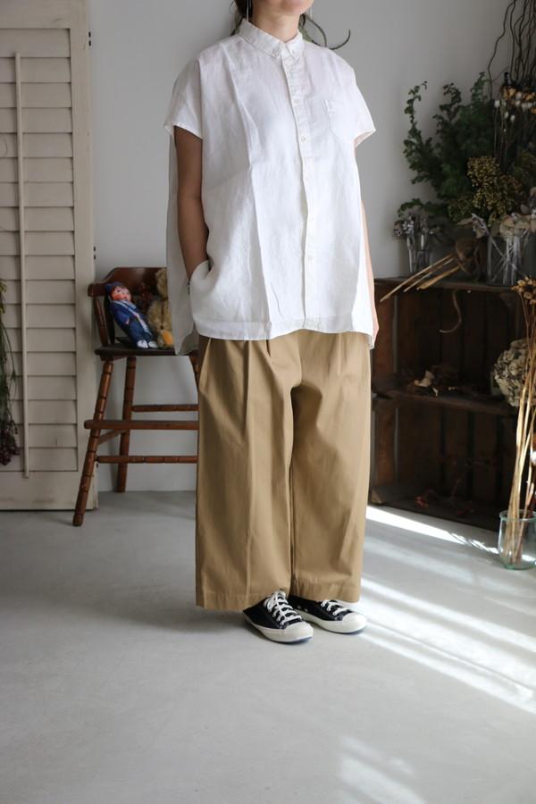 UNIVERSAL TISSU ソフトリネンボタンダウンノースリーブシャツ 2色