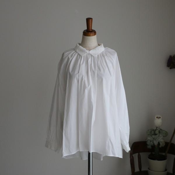 UTG2003-04 Utilite 襟刺繍ブラウス