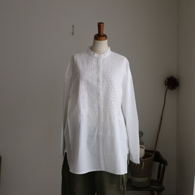 NMDS20061 maison de soil band collar emb shirt 2色