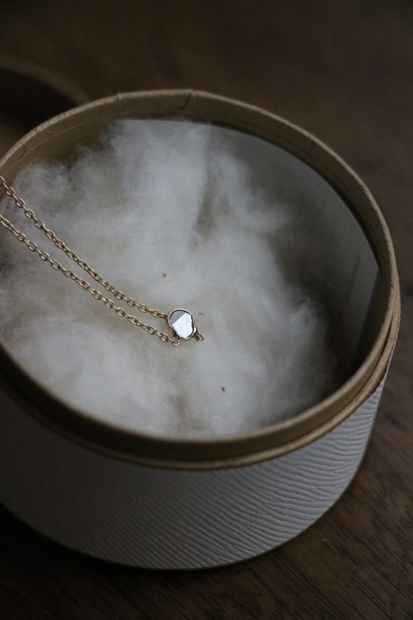 31487501 vlas blomme Slice Diamond ネックレス