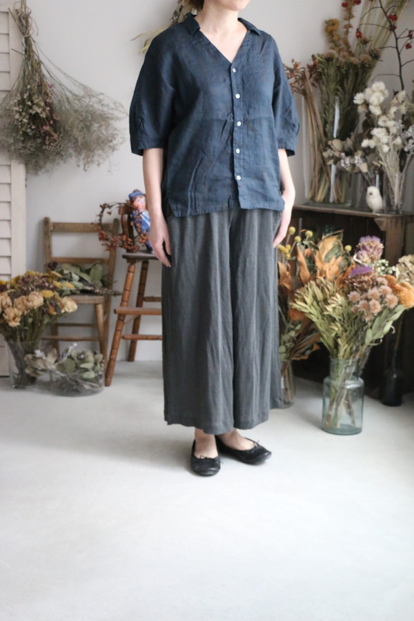13133101 vlas blomme Flower Print × Linen コクーンブラウス ネイビー