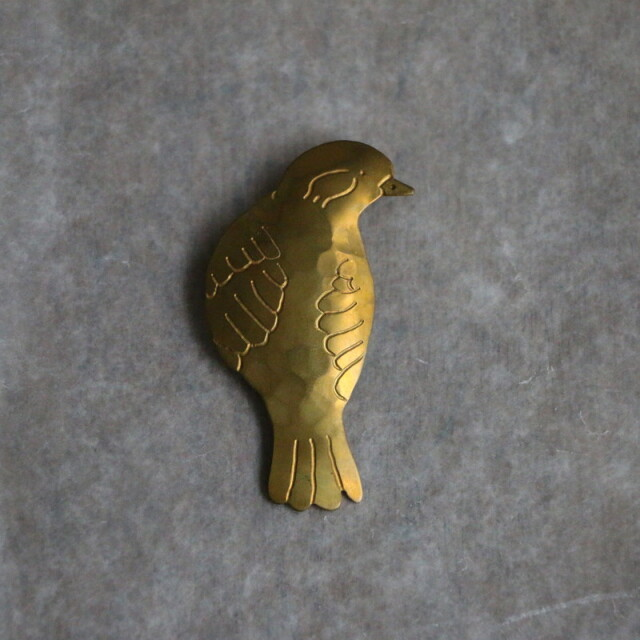 N134 si si si bird turn brooch