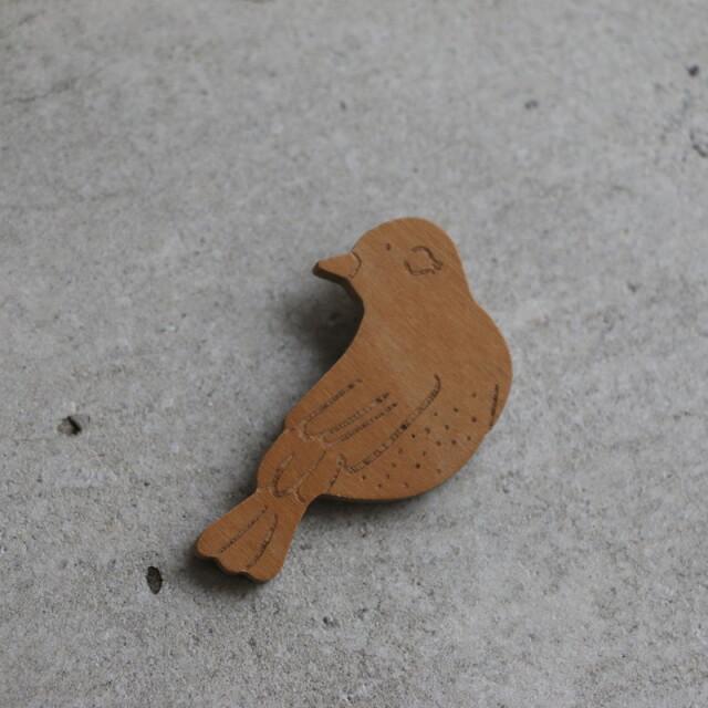 N-116-wd si si si ブローチturn 鳥ウッド