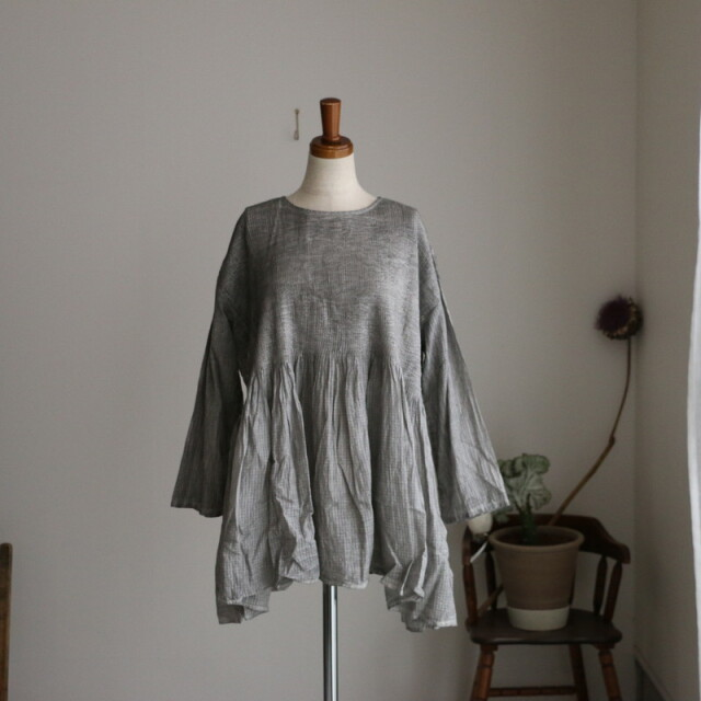 NMDS21171 maison de soil crew-neck p/o l/s shirt with mini pintuck