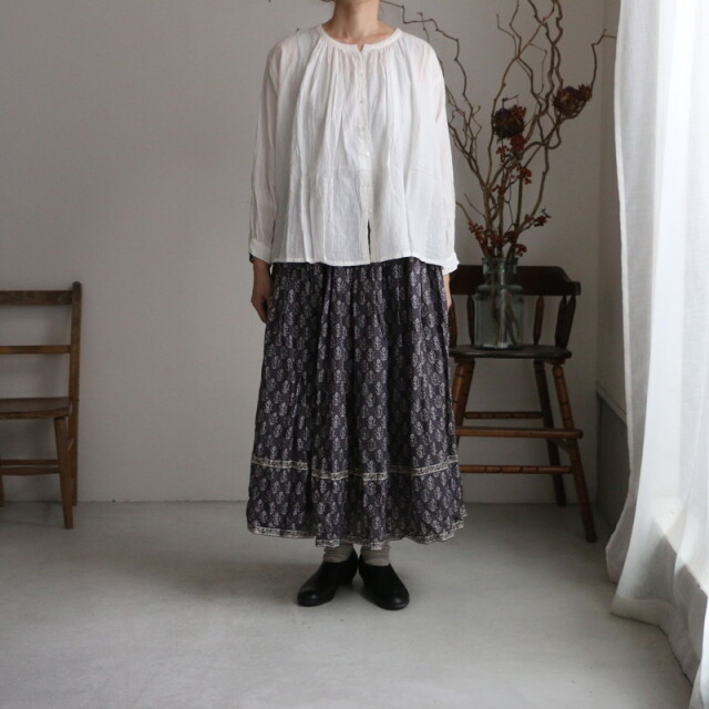 NMDS21585 maison de soil rajasthan tuck gathered skirt with lining