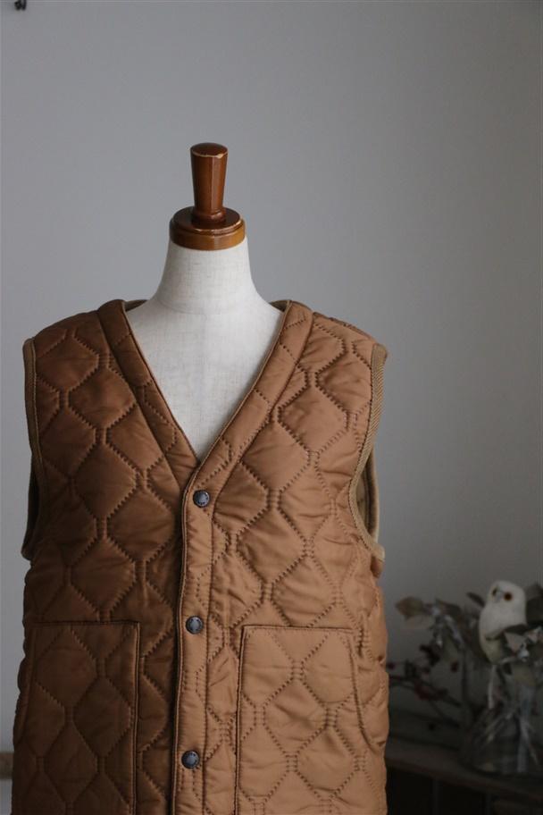 NAM1652 ARMEN HEAT QUILT V-NECK vest