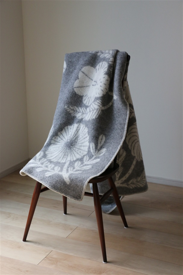 LK000220 LAPUAN KANKURIT VILLIKUKKA Blancket full gray 130x180cm