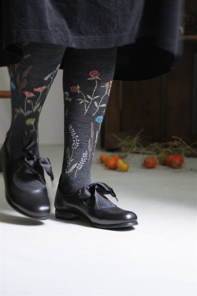 005-03-06 KURI BOTELLA floral tights 2色
