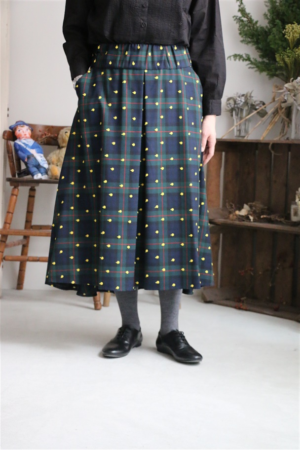 <SALE>AW041 si si si CHECK AND EMBROIDERY SKIRT