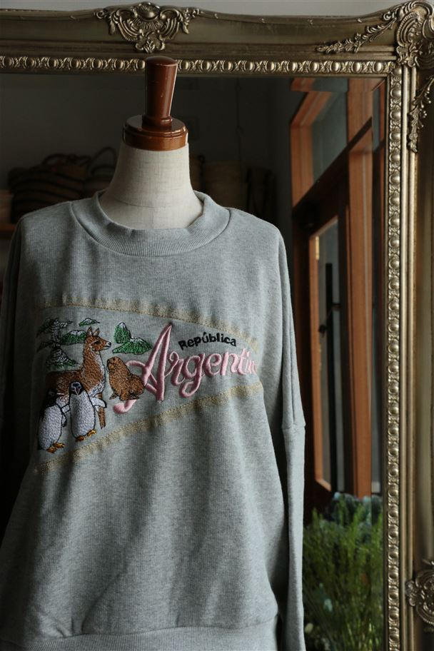 016F020033 marble SUD EMBペナントARGENTINE SWEAT L/S H.GRY