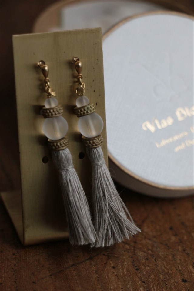 31557271 vlas blomme Tassel x Pearl & Quartz ピアス 3色