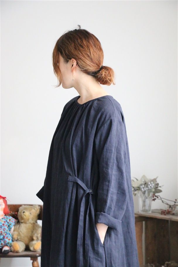 13217781 vlas blomme Lenticel Chambray リボンタックワンピース