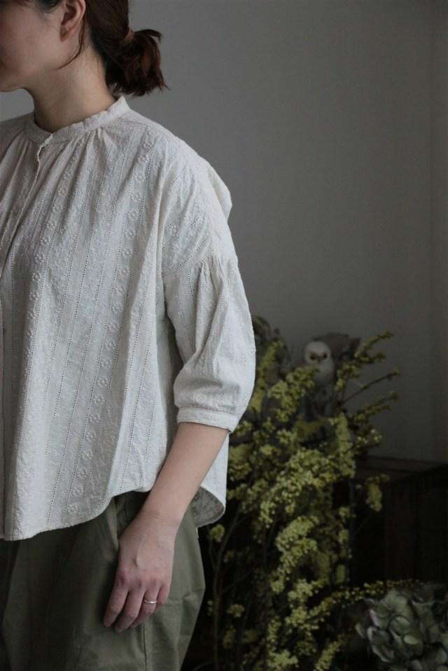 058S033118 marble SUD blossom バンドカラーシャツ IVORY