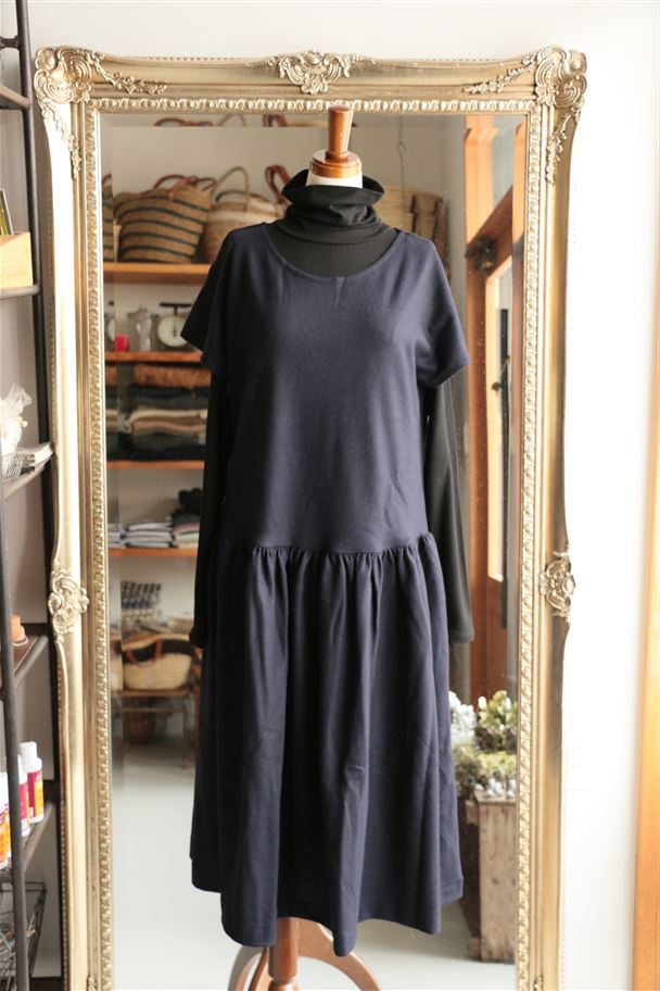 <SALE> UTC01-06 STAMP AND DIARY Utilite Gathered Dress ネイビー