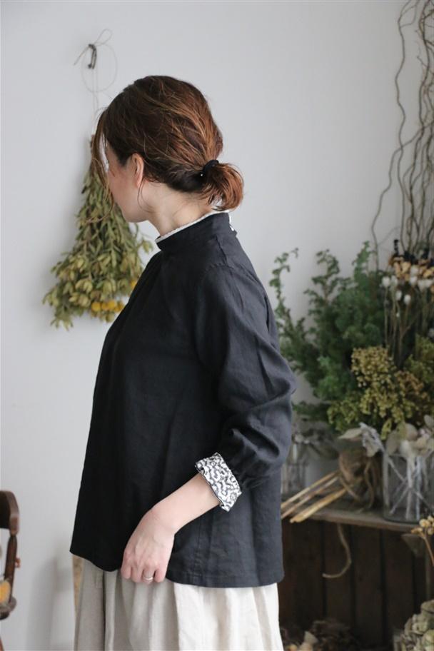 13129491 vlas blomme キリム刺繍プルオーバー 2色