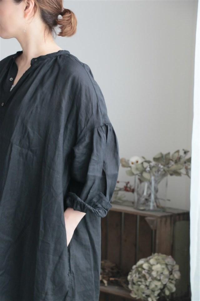 UT181OP040 UNIVERSAL TISSU フレンチリネンボリュームシャツドレス クロ