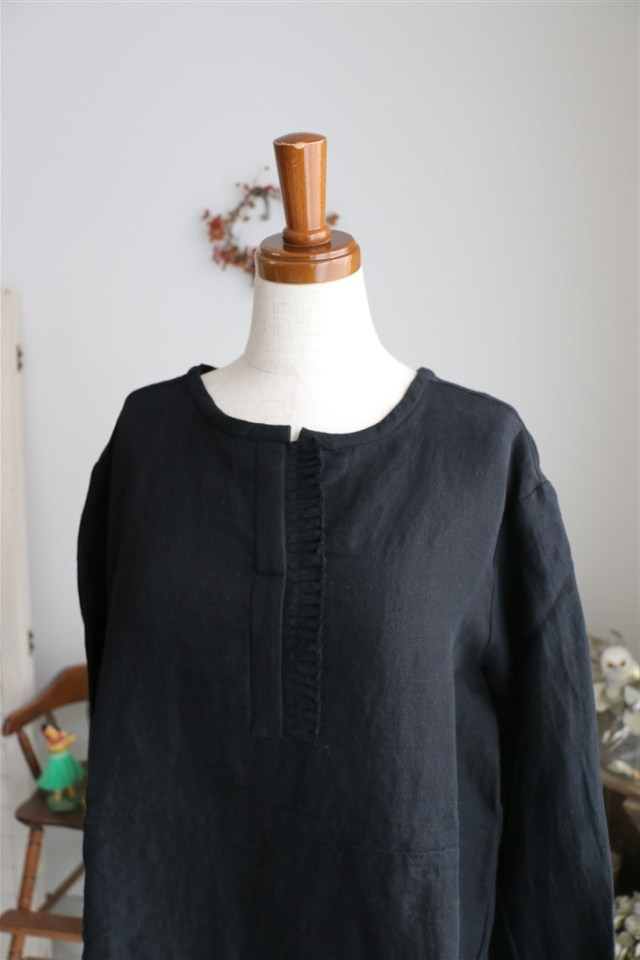 S005 si si si IRISH LINEN BLOUSE BLACK