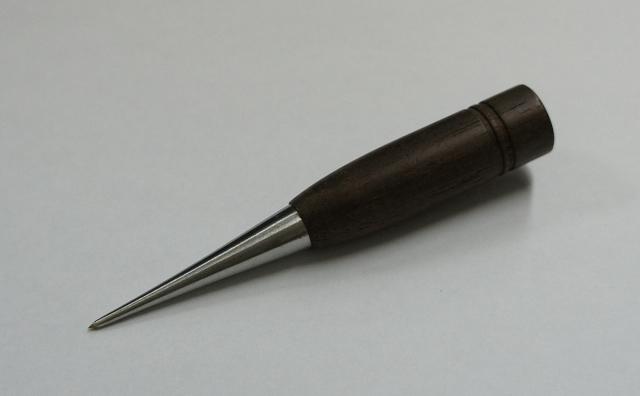 6757 クジリ・ローズウッド黒檀針長46mm全長100mmステンレスクジリ・千枚通し