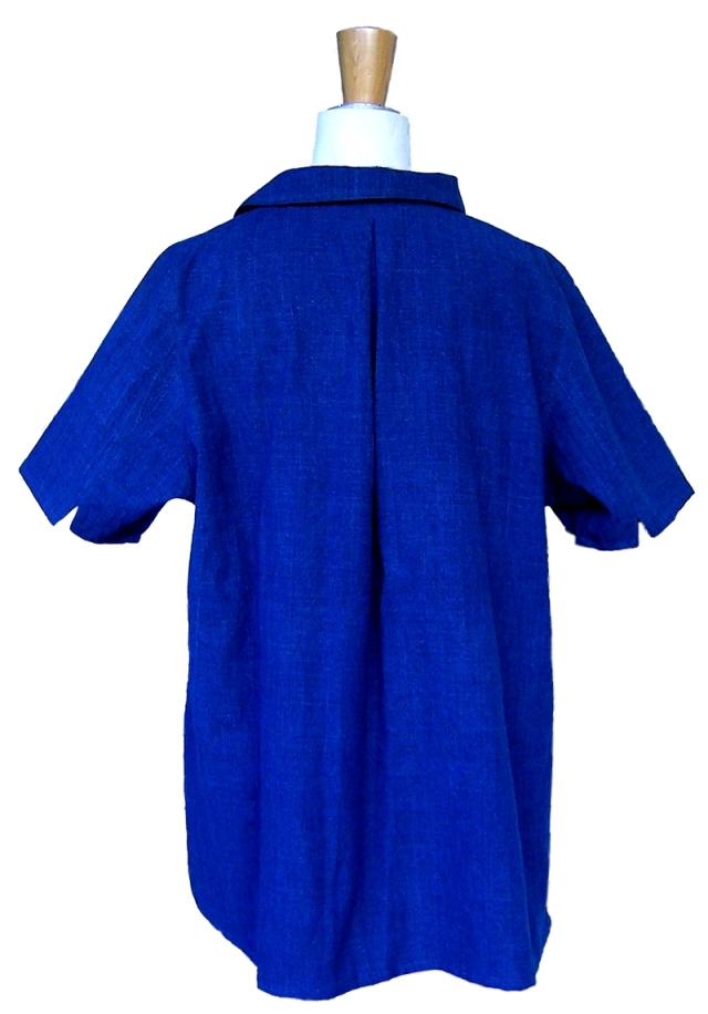 2019藍半袖ブラウス背面