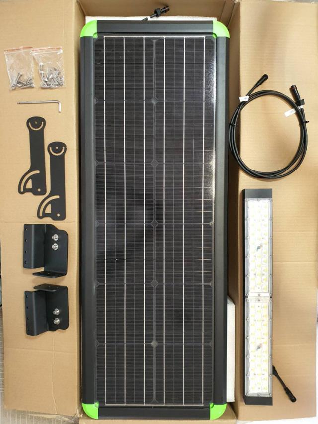 メガソーラー 太陽光 投光器 LED 夜間自動点灯9