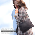 DEVICE WORK 本革サコッシュバッグ  【DSL80059ZZ】
