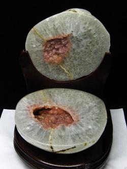 6.8Kg ウルグアイ産 ペア水晶トレジャーメノウ