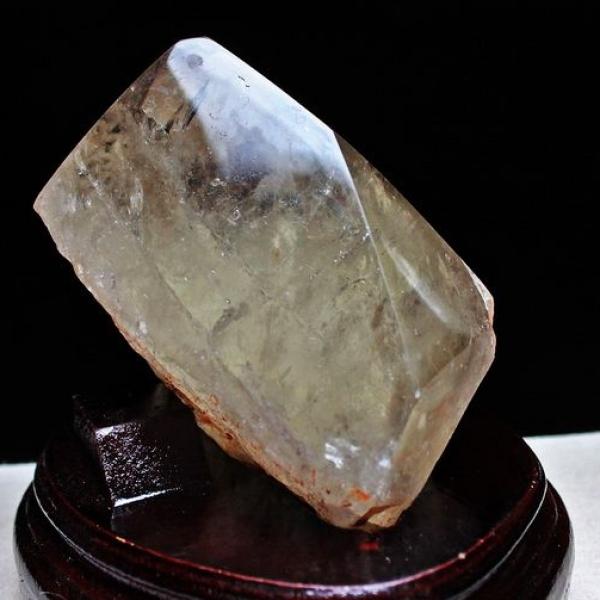 2.1Kg ルチル入り 水晶 原石[S48-105]