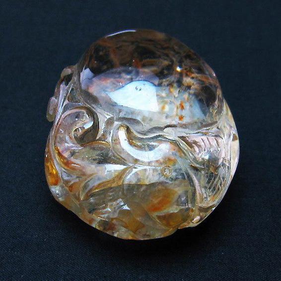 ヒマラヤ水晶 手彫り 魚 置物[T261-1060]