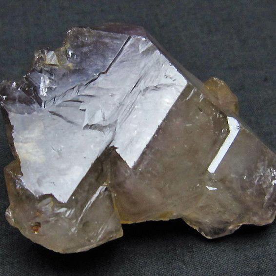 アメジストカテドラルライブラリー 水晶 原石[T299-3605]