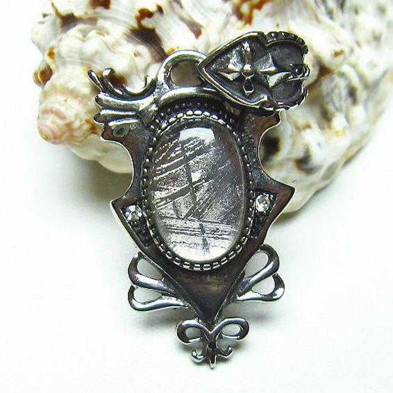 ギベオン メテオライト隕石 中世の紋章 ペンダント [T309-1793]