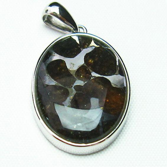 パラサイト隕石 かんらん石 ペンダント [T453-2673]