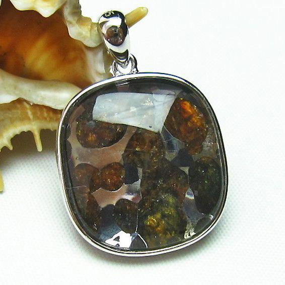 パラサイト隕石 かんらん石 ペンダント [T453-2798]