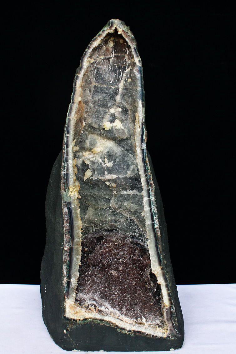 52.5Kg ブラジル産 アメジストドーム あらゆる個性を内包した異形紫結晶 カルサイト共生 同梱不可[T611-6353]
