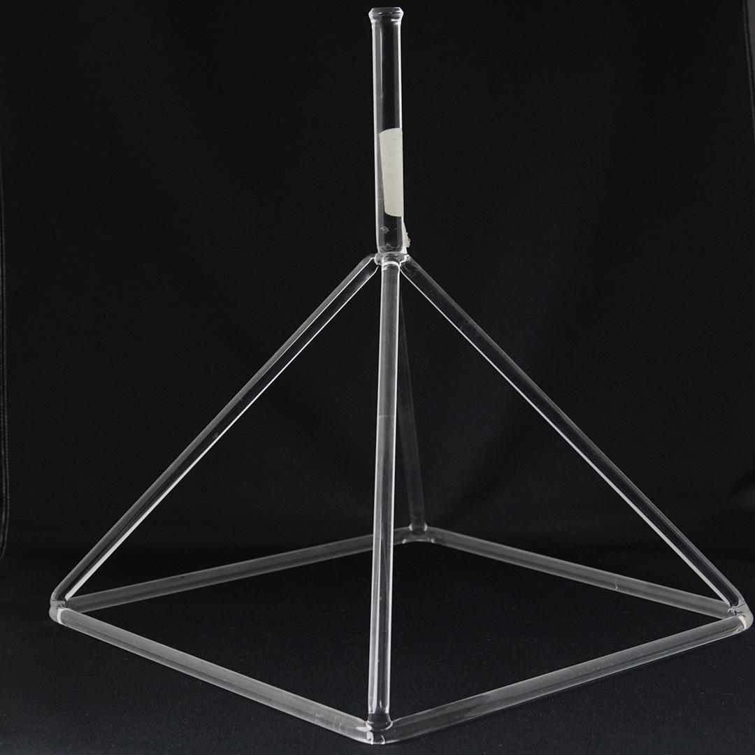 クリスタル ピラミッド・プラクティショナー【Lサイズ】