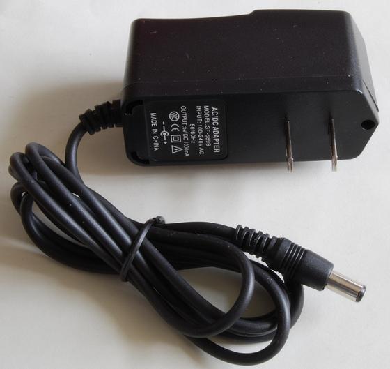 5V/1Aスイッチング安定電源(AC:100-240V, プラグ2.1mmφ)