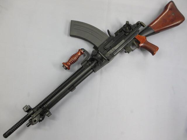 【KTW】九六式軽機関銃 / Lipoバッテリー・充電器付