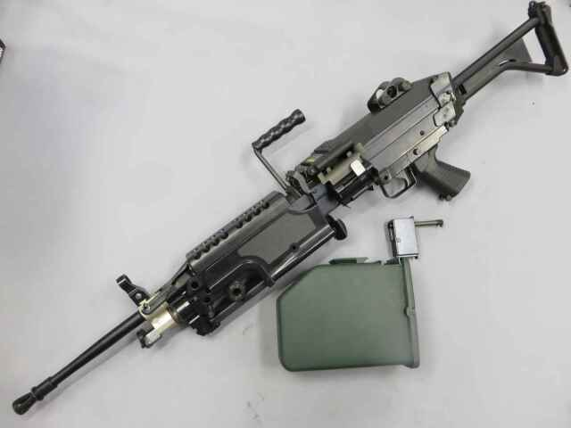 【TOP】M249 MINIMI 自衛隊Ver / R2500BOXマガジン付き