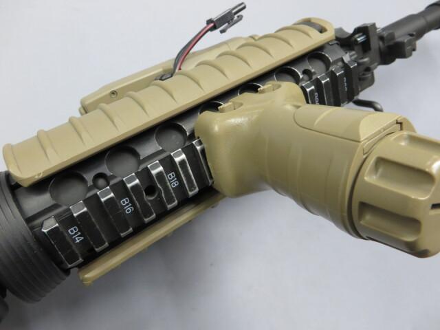 【東京マルイ】M4A1 SOCOMカービン / ストック塗装・フォアグリップ